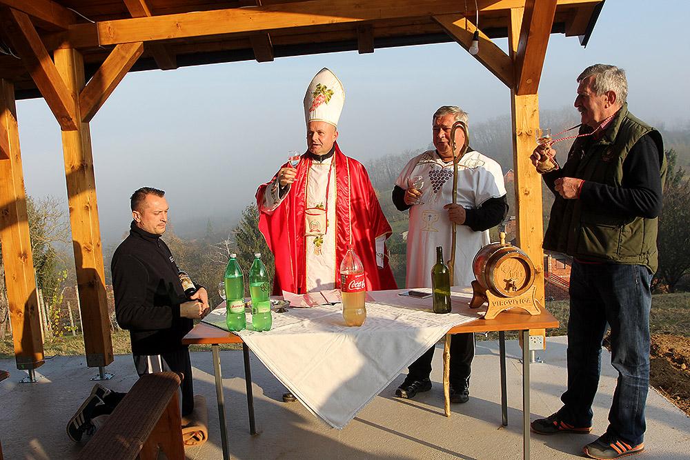 Virovitička Udruga vinogradara i voćara Sv. Vinko proslavila Martinje na prostoru budućeg vidikovca u Sv. Đurađu - Tourist office Virovitica